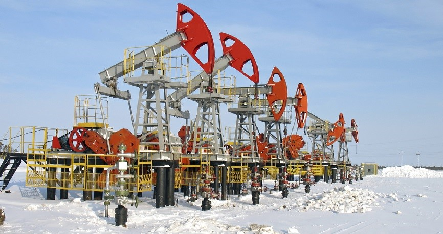 oil_rig_snow_Russia.jpg